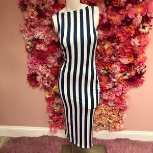 Dresses & Skirts - Navy Stripped fitted midi dress small